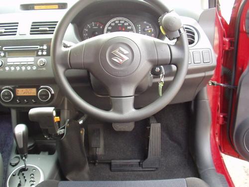 運転装置取付車
